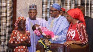 Buhari-meets-rescued-chibok-girl4